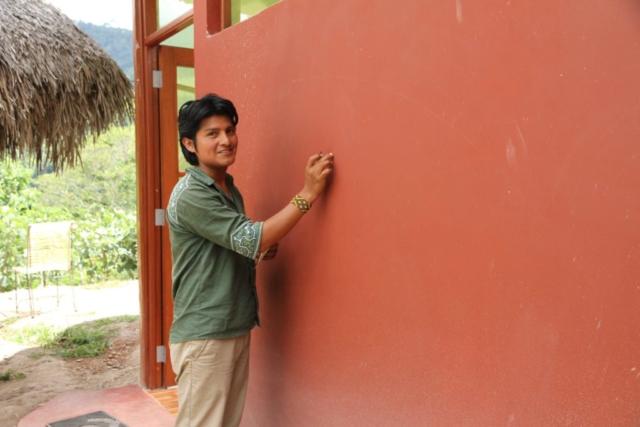 Juan Carlos Taminchi and his wall
